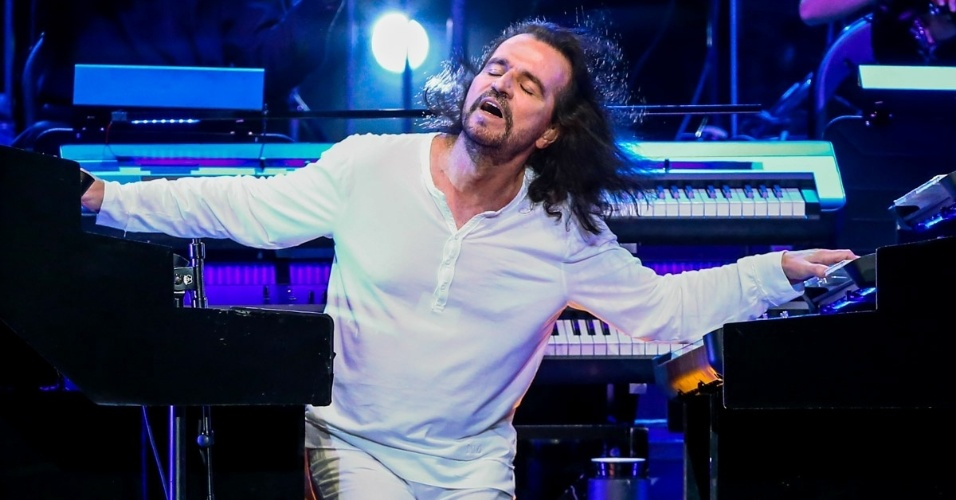 MUZICĂ: YANNI – Nostalgia |Live at Royal Albert Hall